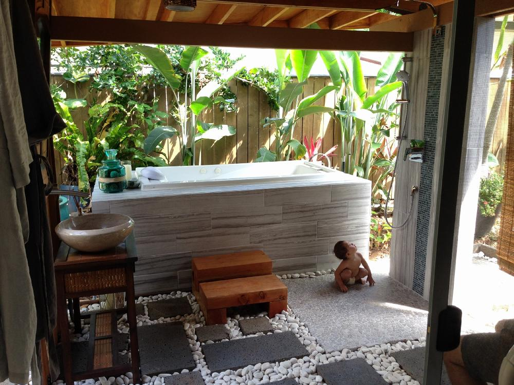 Beautiful Outdoor Spa on Ponga